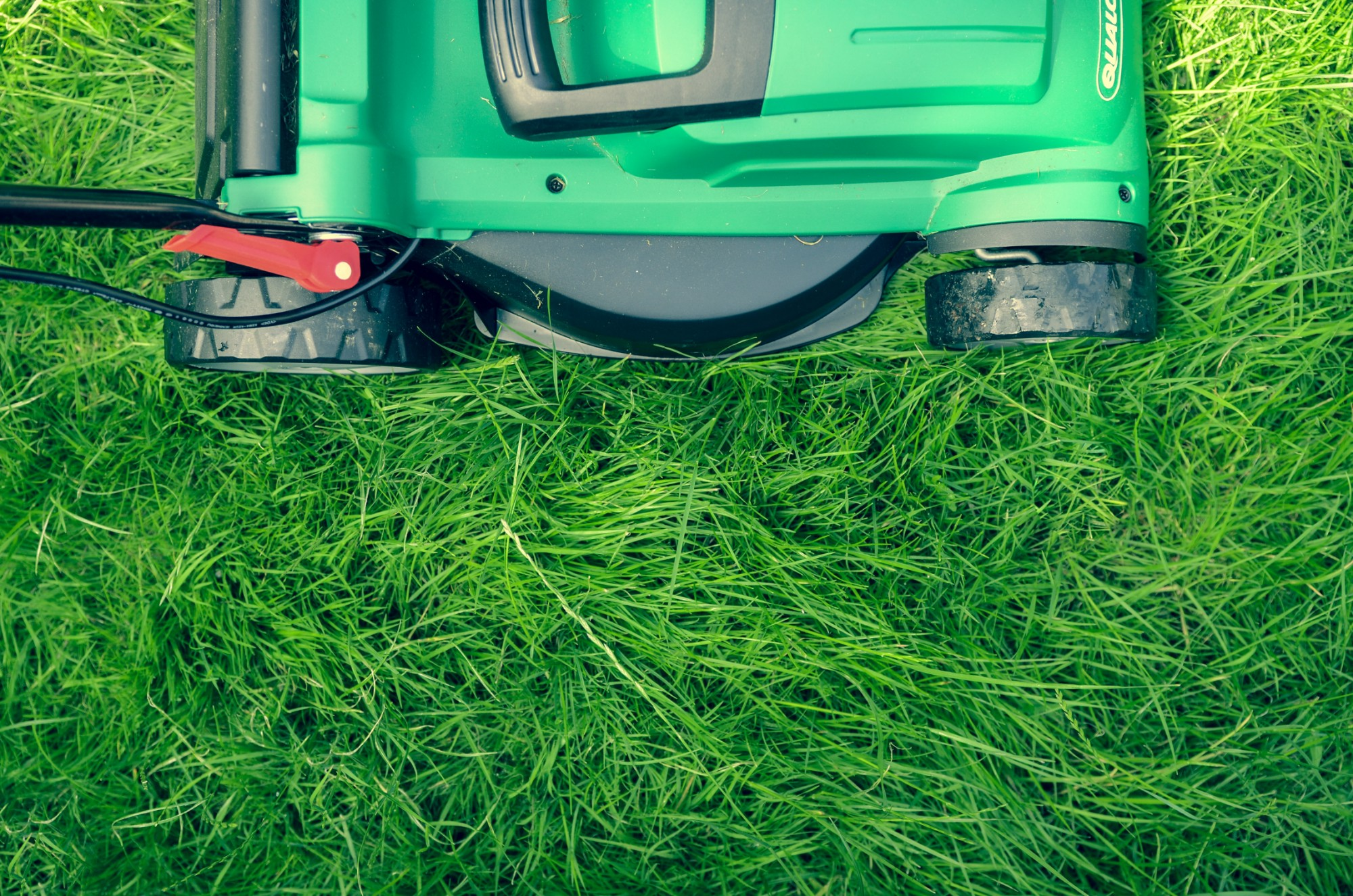 Lawn-Mowing-Services